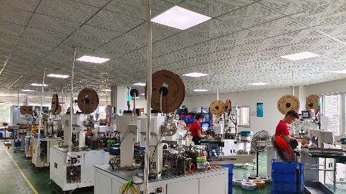 安富电线工厂生产线